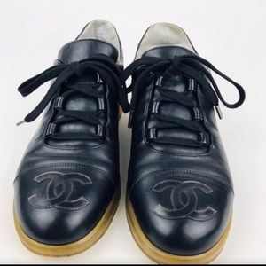 Chanel Black Leather Leisure Lace Up Sneaker 42